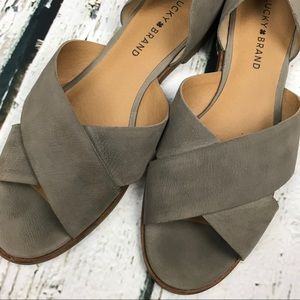Lucky Brand Shoes - Lucky Brand Gallah Flat Sandal Sz 8.5 Gray/Tan